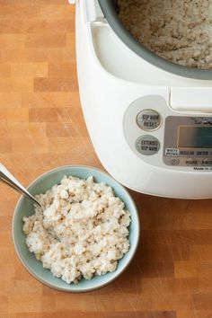 Steel Cut Oatmeal in a Rice Cooker by thekitchn: So easy. Thanks to @esilbermann ! #Oatmeal #Steel_Cut #Rice_Cooker