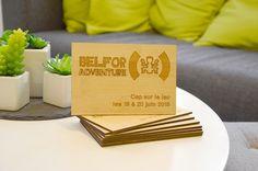 Une carte originale pour vos campagnes de communication. Carte en bois format carte postale 10 x 15 cm. Essence de bois bambou. Gravure au laser recto et verso. epaisseur 5mm. http://www.sensoprint.com/carte-visite-originale/home/60/carte-postale-bois-bambou.html