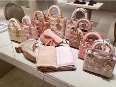Dior Handbags, Fashion Handbags, Purses And Handbags, Fashion Bags, Burberry Handbags, Fashion Fashion, Runway Fashion, Fashion Ideas, Fashion Trends