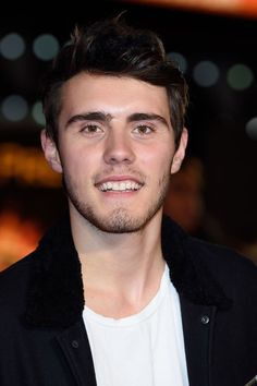 Alfie Deyes attends the World Premiere of 'The Hunger Games Mockingjay Part at Odeon Leicester Square on November 10 2014 in London England Pointless Blog, Out Of My League, Zoe Sugg, British Youtubers, Hunger Games Mockingjay, Vlog Squad, Character Profile, Zoella, 1d And 5sos