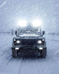 Land Rover Defender 110 Td4 Sw adventure prepared expedition snow