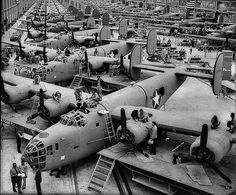 Consolidated B-24 Liberator  Production line