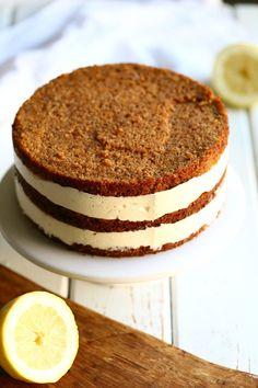 Sitruunamousse kakun väliin - Suklaapossu Piece Of Cakes, Fabulous Foods, Cheesecakes, Baking Recipes, Baking Ideas, Tiramisu, Cake Decorating, Tart, Food Porn