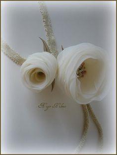 Nigar Hikmet ribbon roses