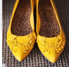 cute mustard shoes - worn with gray and white dress on first date with Kyle