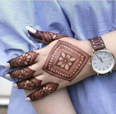 51 Fascinating Karwa Chauth Mehndi Designs For Newlywed Brides Henna Hand Designs, Mehndi Designs Finger, Legs Mehndi Design, Mehndi Designs For Girls, Mehndi Designs For Beginners, Modern Mehndi Designs, Mehndi Designs For Fingers, Mehndi Design Photos, Wedding Mehndi Designs