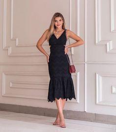 "Moda Feminina Multimarcas no Instagram: ""Vestido de laise R$ 290,00 @donnaritzoficial www.vionet.com.br . . . #modafeminina #lancamento #arianecanovas #modaevangelica…"" Cloude Jeans, Formal Dresses, Instagram, Fashion, Women's Work Fashion, Dress, Dresses For Formal, Moda, Formal Gowns"