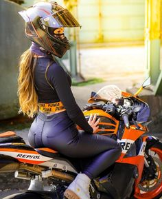 """/dbt/ - Daily Bike Thread - """"/o/ - Auto"""" is imageboard for discussing cars and motorcycles. Dirt Bike Girl, Motorbike Girl, Motorcycle Outfit, Motorcycle Helmet, Lady Biker, Biker Girl, Fille Et Dirt Bike, Motard Sexy, Chicks On Bikes"""