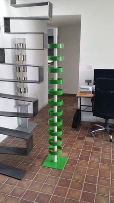 Supergreen, acier et Led #lampe #design #art #acier #béton