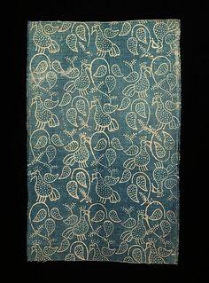 Все наряды в этой публикации - из коллекции Натальи Леонидовны Шабельской, урожденной Кронеберг (1841-1904), харьковской дворянки, которой удалось сохранить большое количество национальных русских костюмов.