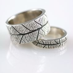Wedding rings textured with leaf prints, made from silver precious metal clay. Metal Clay Rings, Metal Clay Jewelry, Wedding Rings For Women, Wedding Bands, Rings For Men, Wedding Set, Wedding Tips, Gold Wedding, Perfect Wedding