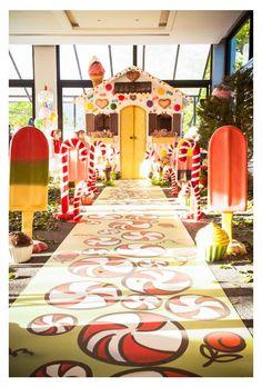 Entrada temática para casa de doces de João e Maria em aniversário infantil - Alexandre e Rafaela - 01 ano