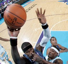 The perfectly timed nose-pick defense photo: