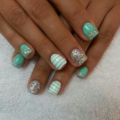 Cute nails, except I wouldn't want glitter over the solid color on the pinky and index finger. Nails Polish, Shellac Nails, Acrylic Nails, Aqua Nails, Mint Green Nails, Acrylic Art, White Nails, Get Nails, Fancy Nails