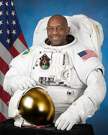 Dr. Robert Satcher graduated from Denmark-Olar High School, Denmark, South Carolina, in 1982. He received a bachelor of science degree in chemical engineering from Massachusetts Institute of Technology in 1986; a doctor of philosophy in chemical engineering from MIT in 1993 and a doctor of medicine degree from Harvard Medical School in 1994.