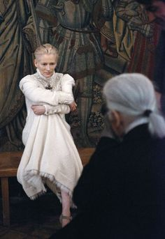 Tilda Swinton is the latest muse of Chanel for the Paris-Edimbourg collection.