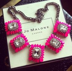 accesories (i think this neckless would be nice with a white blouse)