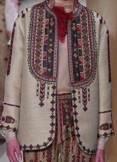 Kurta Patterns, Girl Fashion, Fashion Dresses, Ethno Style, Afghan Dresses, Fashion Details, Fashion Design, Victoria Dress, Embroidery Dress
