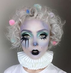 Pastel clown bringing it in our Mochi and Tako eyeshadows! Pastel clown Molly Bridges bringing it in our Mochi and Tako eyeshadows! Halloween Makeup Clown, Clown Makeup, Fx Makeup, Maquillage Halloween, Costume Makeup, Makeup Tips, Clown Hair, Weird Makeup, Cosplay Makeup