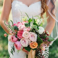 when planning your bouquet always remember to pick flowers that suit your personality. this boho bouquet included peonies, dahlias, garden roses, eucalyptus, wild flowers, and more. Lovely work the guys over at Plenty of Petals @plentyofpetals #wedding #succulents #lavender #bride #bouquet #succulentbouquet #gettingmarried #bouquetideas #rusticwedding #weddinginspiration #bridetobride #soloverly #customdesign #bridetobe #whimpsical #soft #delicate #isaidyes #weddingplanning #weddingideas ...