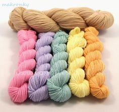 wool_merino_hand_dyed_yarns_vlna_rucne_farbena_predaj_hackovanie_pletenie_makronky_vlna-art.sk_3_1