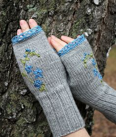 Knitted Fingerless Gloves, Gloves & Mittens, Gift Ideas, Valentine's Day, For Her, Accessories, Winter Accessories, Ribbon Embroidery, Grey