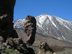 Roque Cinchado (The Stone Tree) y Pico del Teide, Tenerife (España - Spain).