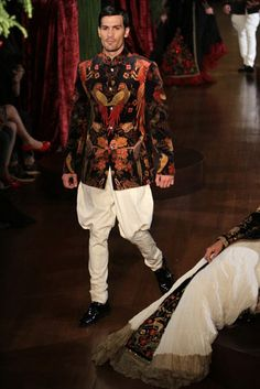 Rohit Bal. AICW 15'. Indian Couture.