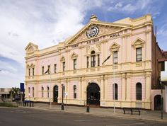 Wondering where to make your next home in Australia? Make it #Kalgoorlie, WA! http://blog.wridgways.com.au/make-kalgoorlie-your-next-home/ #movinginterstate