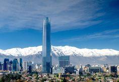 A capital chilena está repleta de atrações turísticas e passeios que podem ser feitos num único dia.