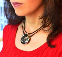 AURANOVA: The Bluetooth Necklace Headset for Women from TMI