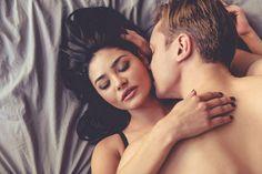 pareja-amor-cama