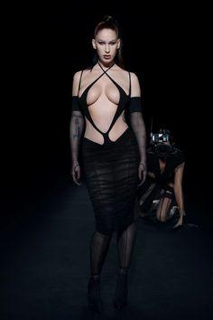 Fashion Week, Runway Fashion, High Fashion, Fashion Beauty, Fashion Show, Womens Fashion, Irina Shayk, Mode Editorials, Vogue