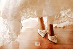 @mariamarromero getting ready bride's details. . . . . . #pronoviasbrides #weddingday #weddinggoals #weddinginspo #weddinginspiration #noviaspronovias #weddingdressinspo #weddingdressinspiration #weddingdressgoals #goals #dreamdress #dreamweddingdress #sayyestothedress #photographyart #photo #photography #fashion #photoshoot #photographers #hotairballoons #balonismo #boituva #hotairballoon #voar #boanoite #venhavoarcomagente #aventura #fotograf #cappadocia #skytour