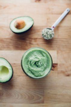 Avocado mango green smoothie (vegan) via will frolic for food