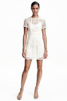 Vestido calado de H&M (59,95 euros)
