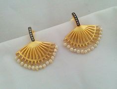 Latest Laser Cut Gold And Silver Earring Hoops Design India Jewelry, Pearl Jewelry, Gold Jewelry, Jewelery, Antique Jewelry, Bead Jewellery, Jewelry Art, Jewelry Bracelets, Gold Earrings Designs