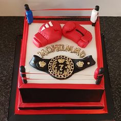 Boxing ring cake by The Custom Piece of Cake Dad Birthday Cakes, 6th Birthday Parties, 1st Boy Birthday, Muhammad Ali Birthday, Boxing Theme Party Ideas, Boxing Gloves Cake, Wwe Cake, Cake Design For Men, Ring Cake