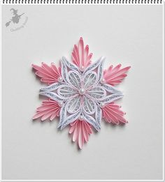 Rózsaszín - fehér karácsonyfa dísz.