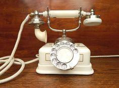 Fotos de  El Viejo Mundo  Telefonos Antiguos