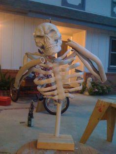 http://www.halloweenforum.com/tutorials-step-step/104509-my-pvc-skeletons-how.html