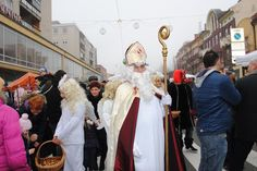 Seveda Miklavž na Mikloševon senji v Murski Soboti med več tisoč obiskovalci nikakor ne sme manjkati, saj mu senje tudi posvečeno!