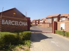 Furnished 2 Bedroom Townhouse To Let in The Reeds, Centurion South Africa Real Estate Business, Online Business, Internet Marketing Company, Holiday Accommodation, Townhouse, Let It Be, Bedroom, Internet Marketing Firm