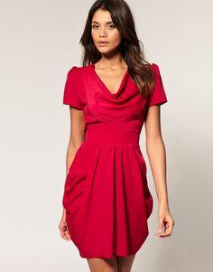 valentines-day-red-dresses.jpg 870×1,110 píxeles