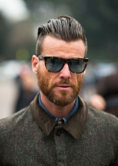 Hair Styles 2018 Hipster beard - the most manly, sovereign and uncompromising beard hairstyle Hipster Bart, Hipster Stil, Men Hipster, Undercut Men, Undercut Hairstyles, Hairstyle Short, Slick Back Undercut, Hipster Hairstyles Men, Undercut Styles