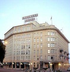 Crockett Hotel