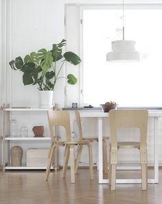 time of the aquarius: Monday with a hint of blue and green / Ripaus sinistä ja vihreää Interior Design Inspiration, Home Decor Inspiration, Home Interior Design, Interior Decorating, Decor Ideas, Scandinavian Home Interiors, Inside A House, Blue And Green, Apartment Interior