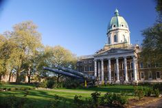 Imperial War Museum - recreated blitzed street, war machines, air raid shelter, etc. (free)