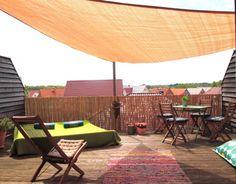Weil das Wetter so schön ist..., Tags Dachterrasse + Ikea + Sitzsack + Sonnensegel + Gartenstühle + Gartenliege + Balkonsichtschutz + Grüne Tagesdecke