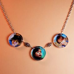 Print photos of your cuties on LW Photo Paper, cast them in Brilliant Resin and add chain to create a perfect necklace for mom.   little-windows.com
